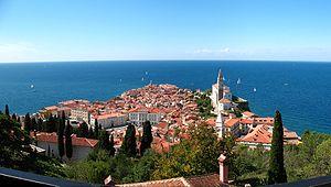Piran (Panoramabild von der Stadtmauer) Vorne ...